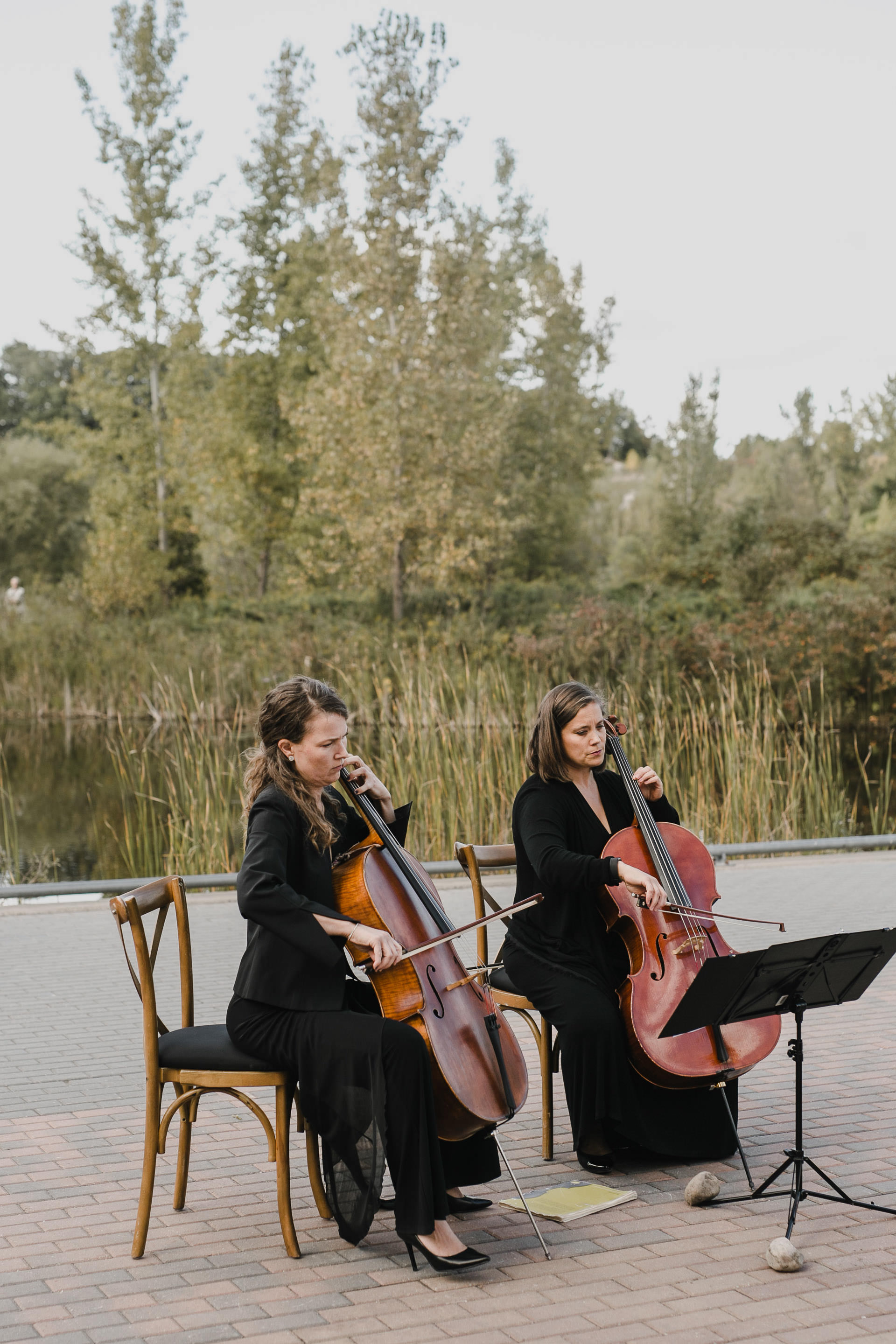 Evergreen Brickworks wedding photographer - cello at the ceremony