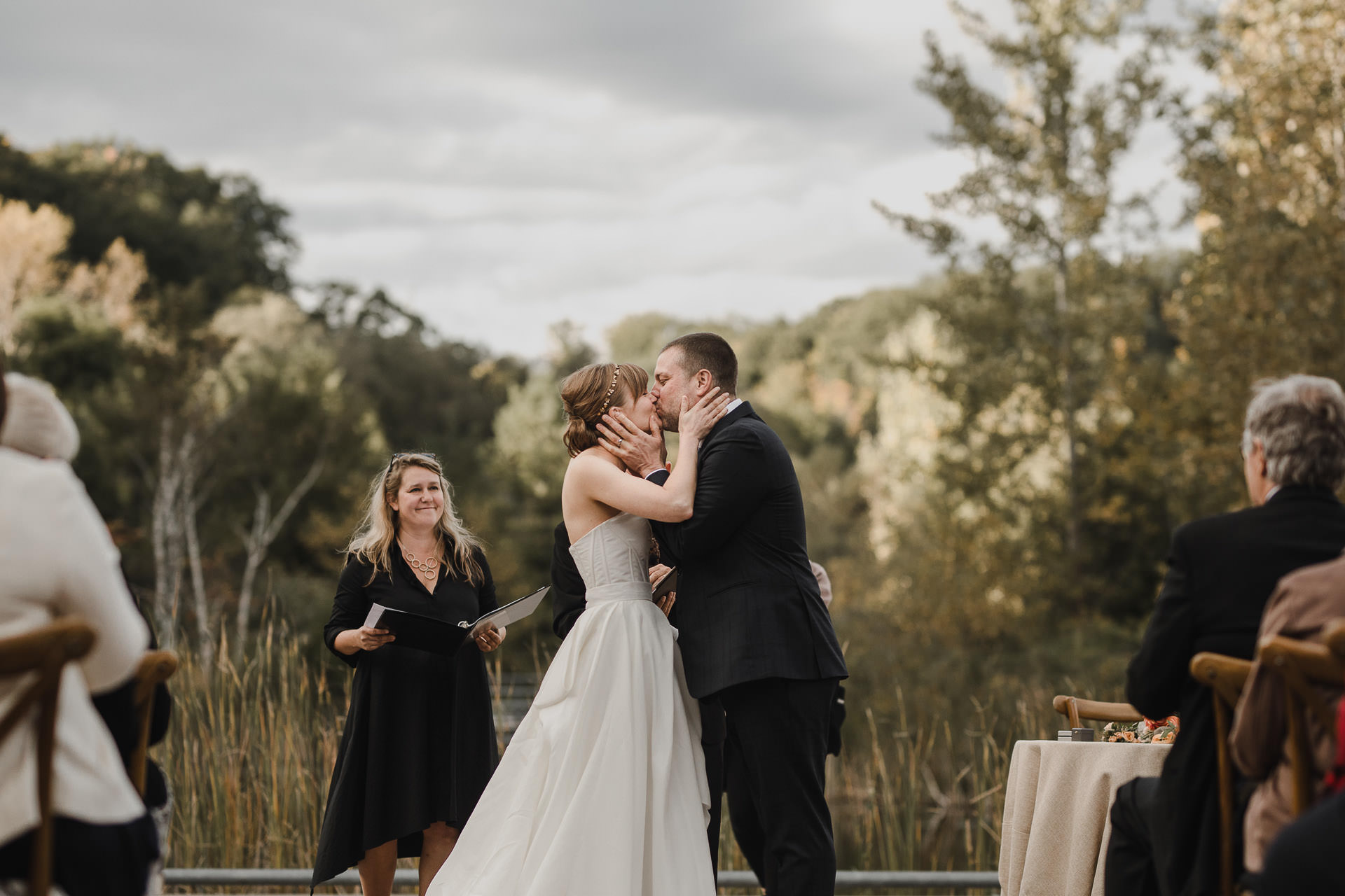 Evergreen Brickworks wedding photographer - the kiss