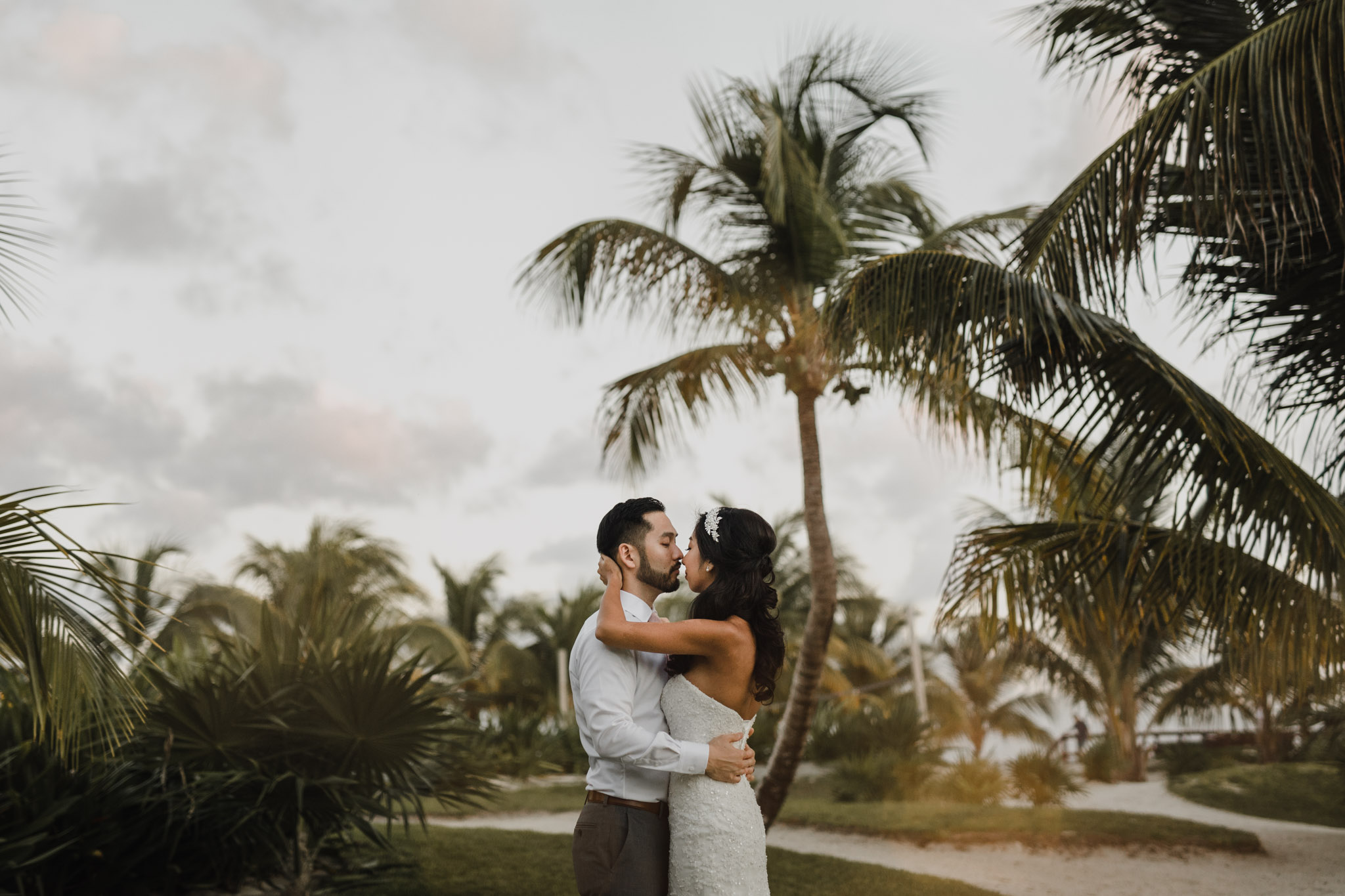 Cancun Mexico Wedding - sunset embrace