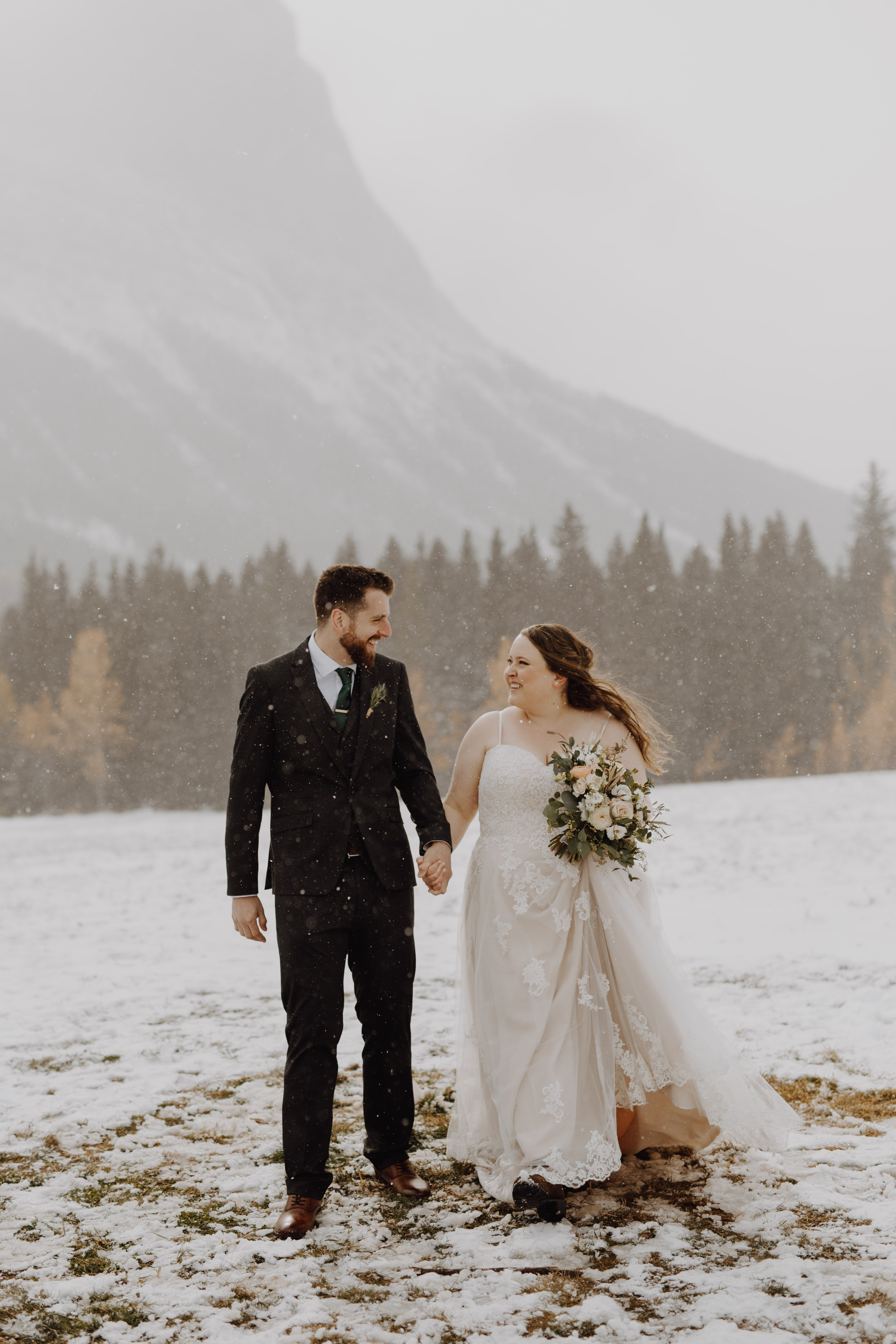 Snowy Canmore winter wedding