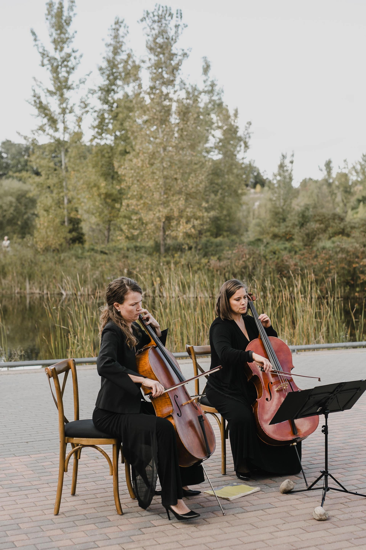 Evergreen Brickworks wedding photographer - cello at the ceremony
