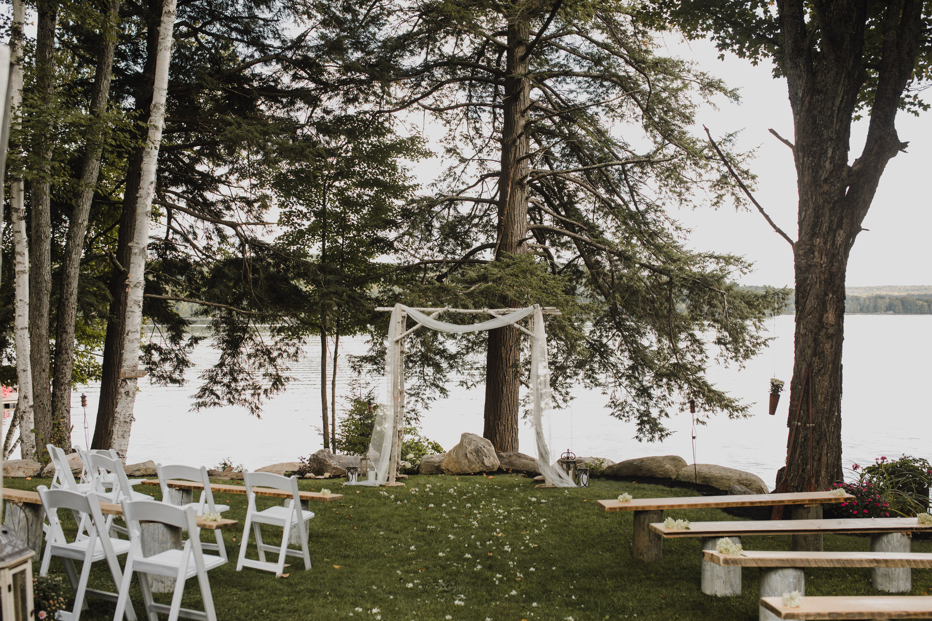 Muskoka Wedding - outdoor ceremony