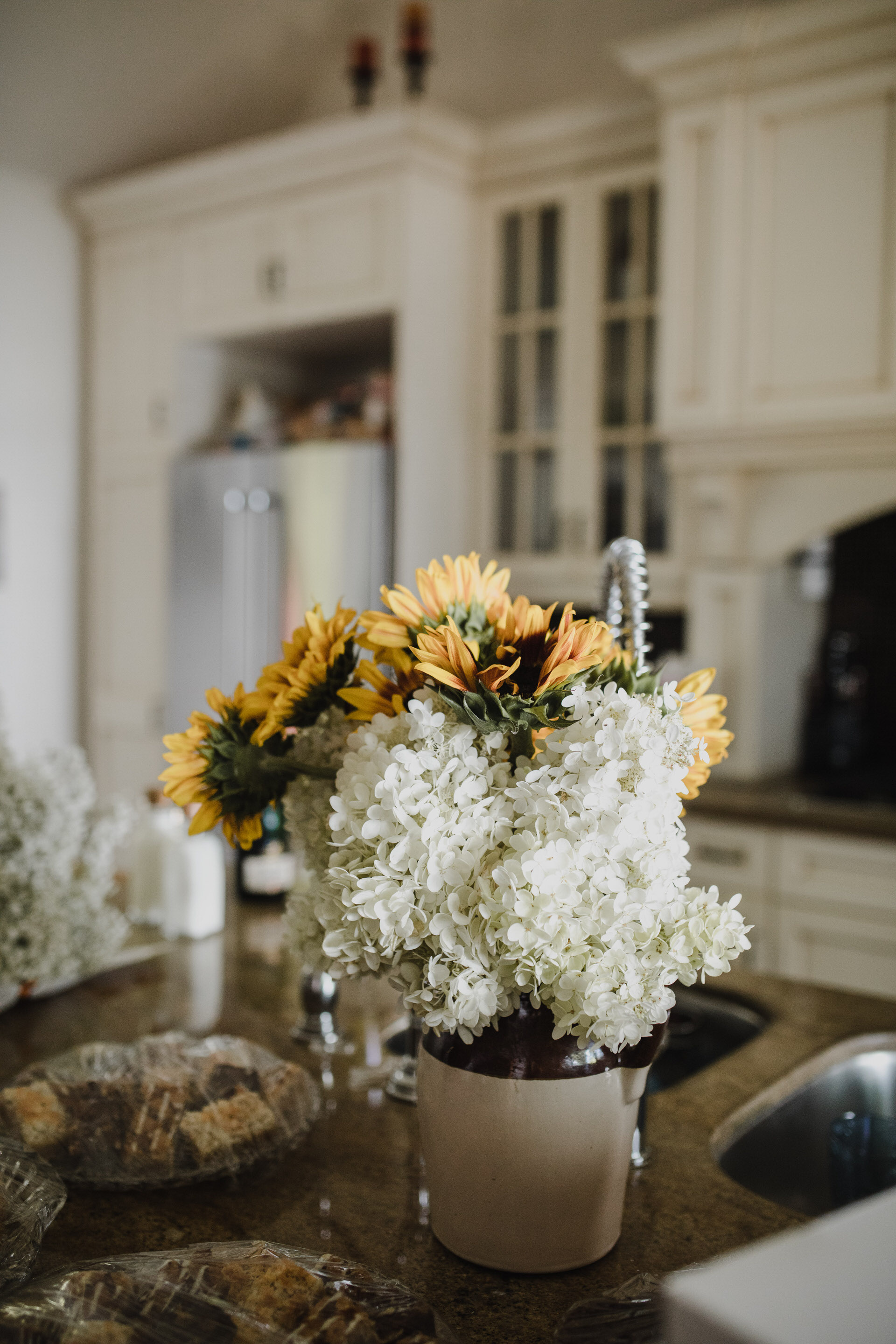Muskoka Wedding - interior florals