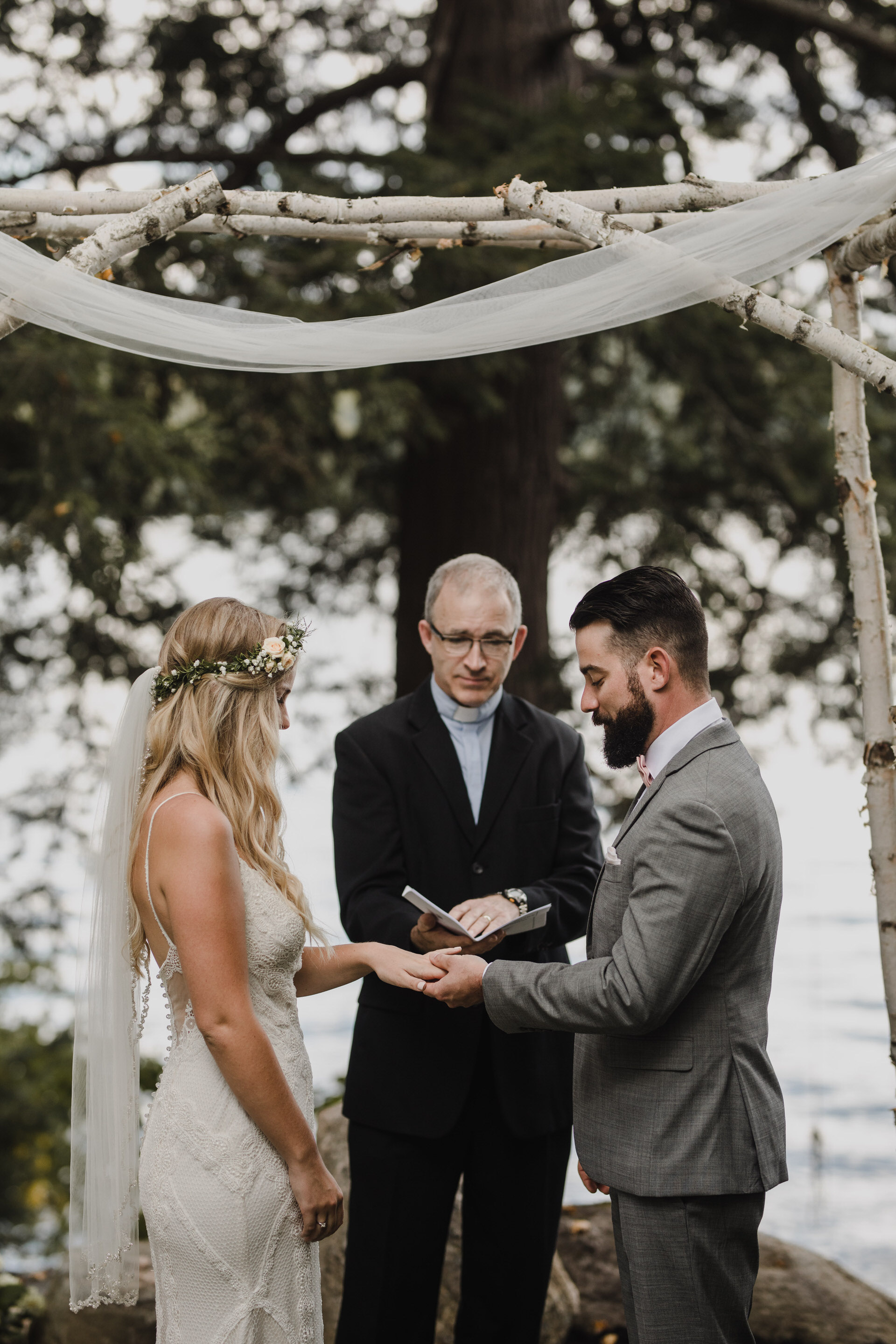 Muskoka Wedding - exchanging rings