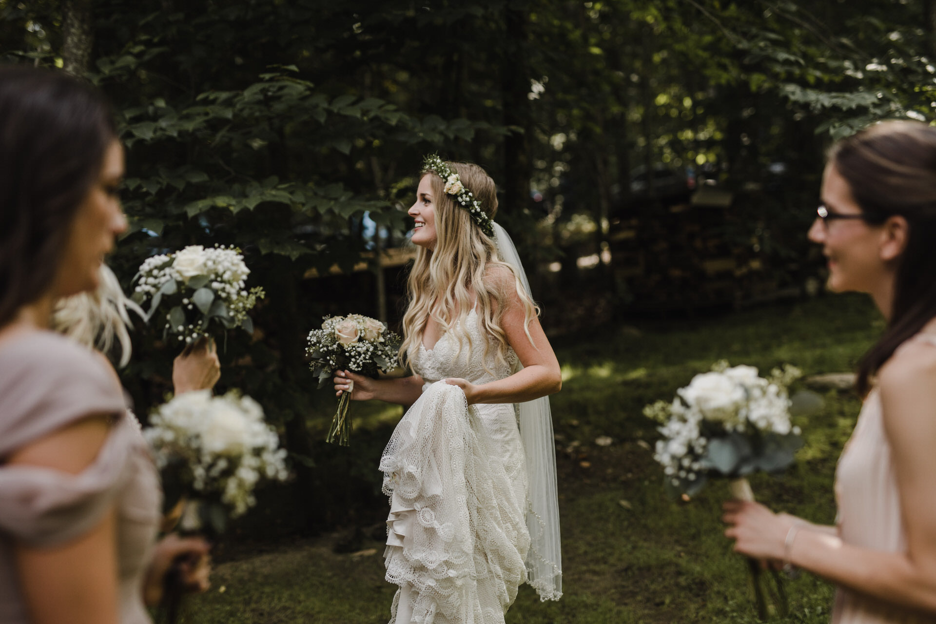 Muskoka Wedding - bride and bridesmaids