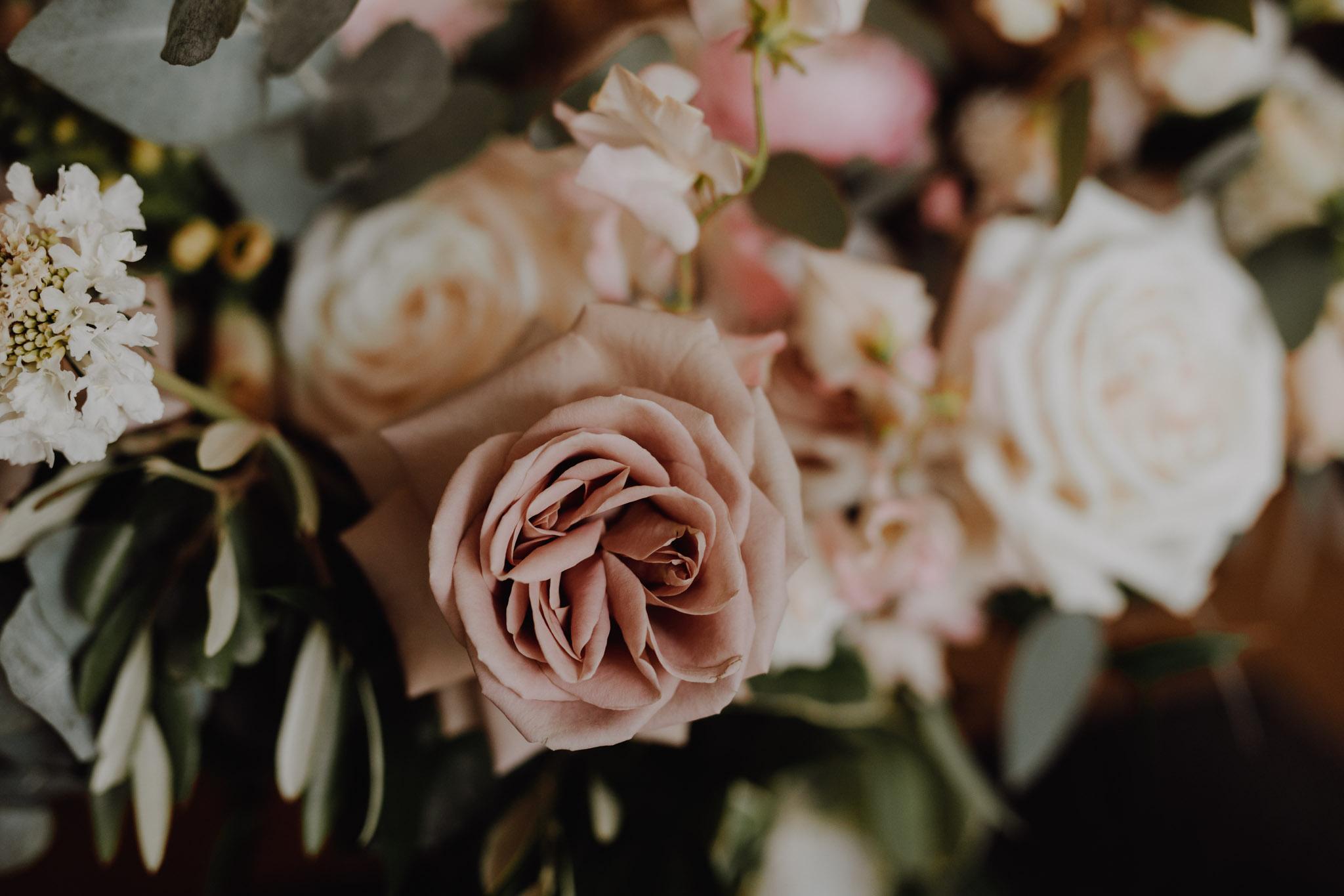 Pink rose bouqet. Love By Lynzie. Wedding Photographer Jennifer See Studios.