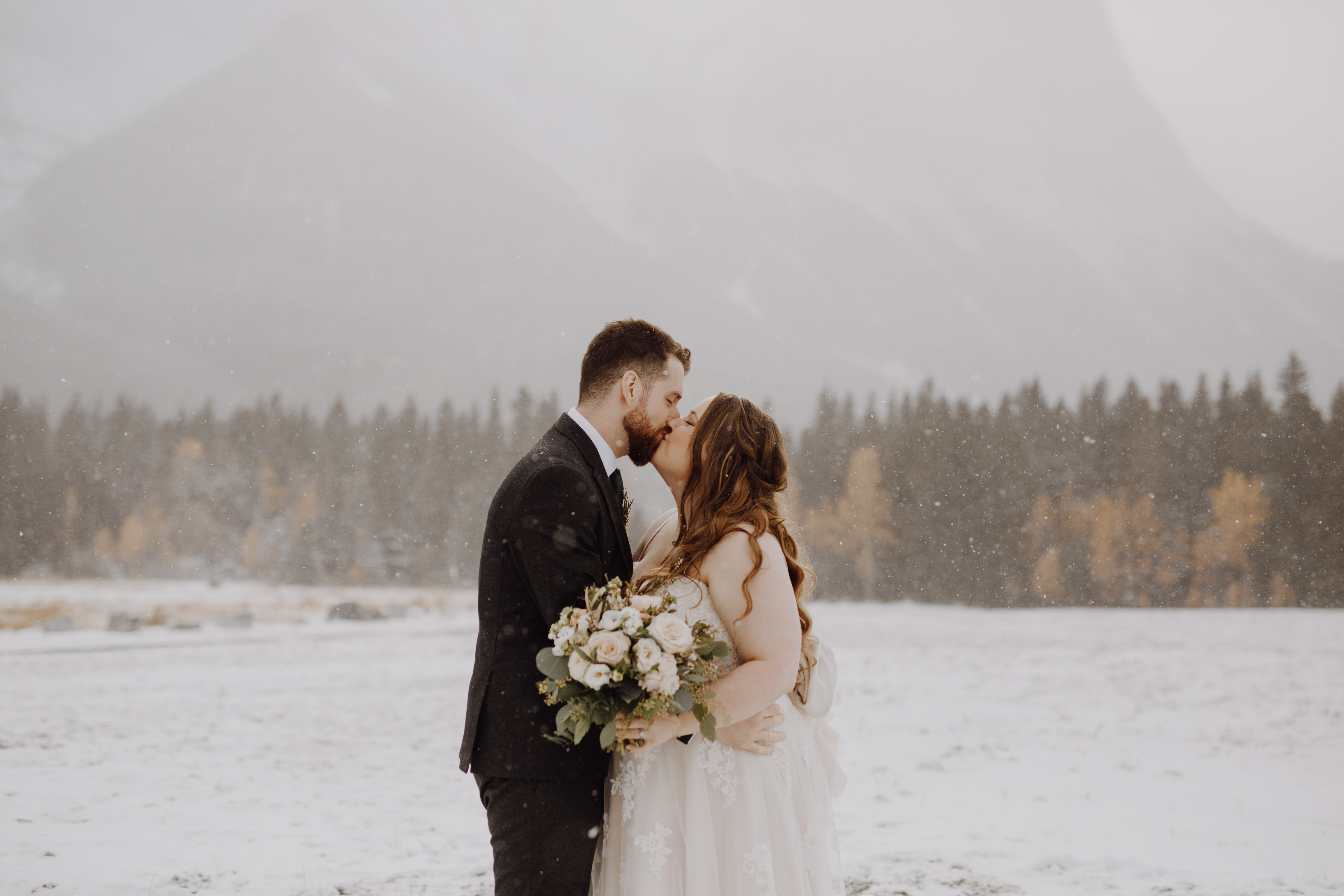 winter wedding in banff