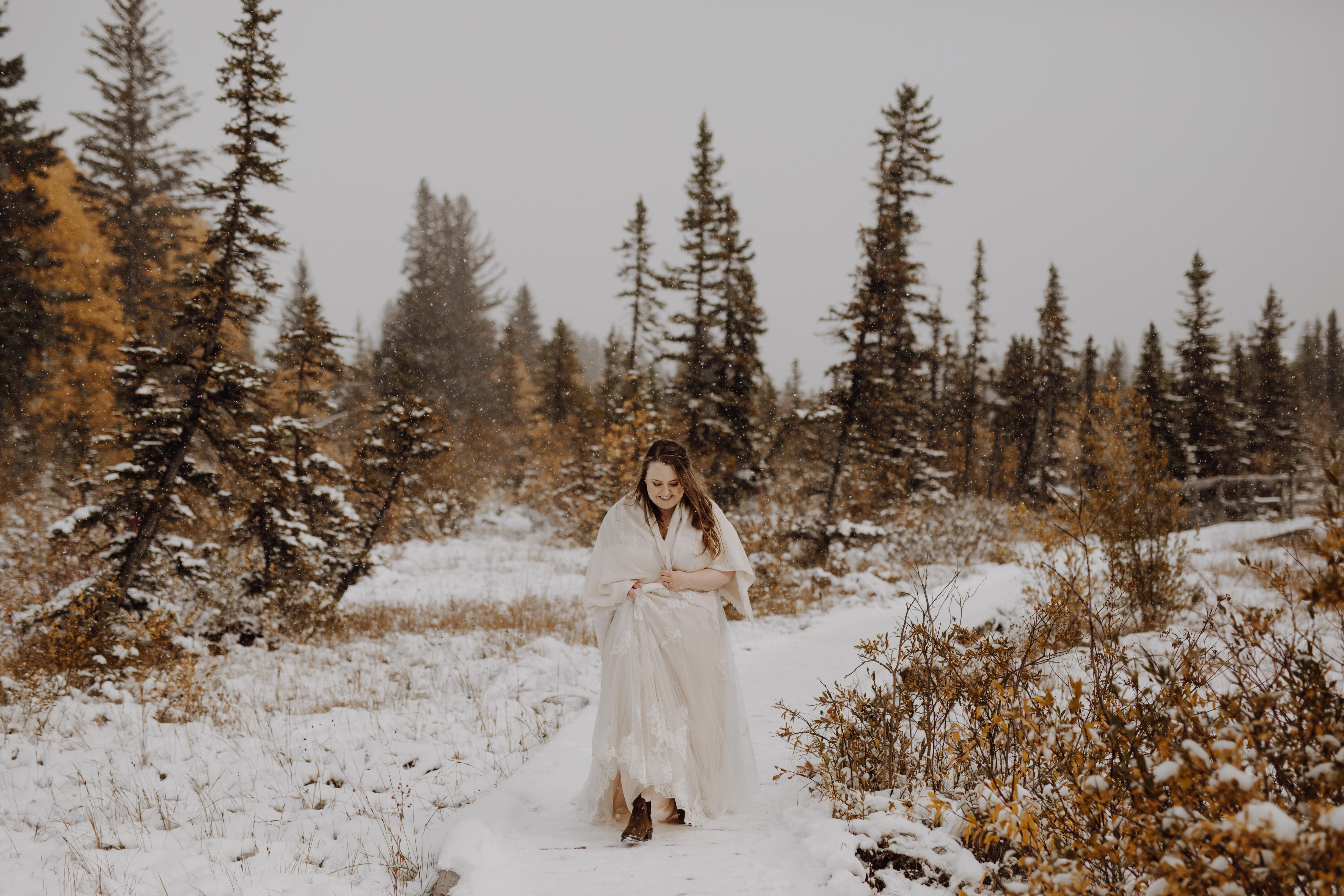 Banff Wedding - bride in the snow