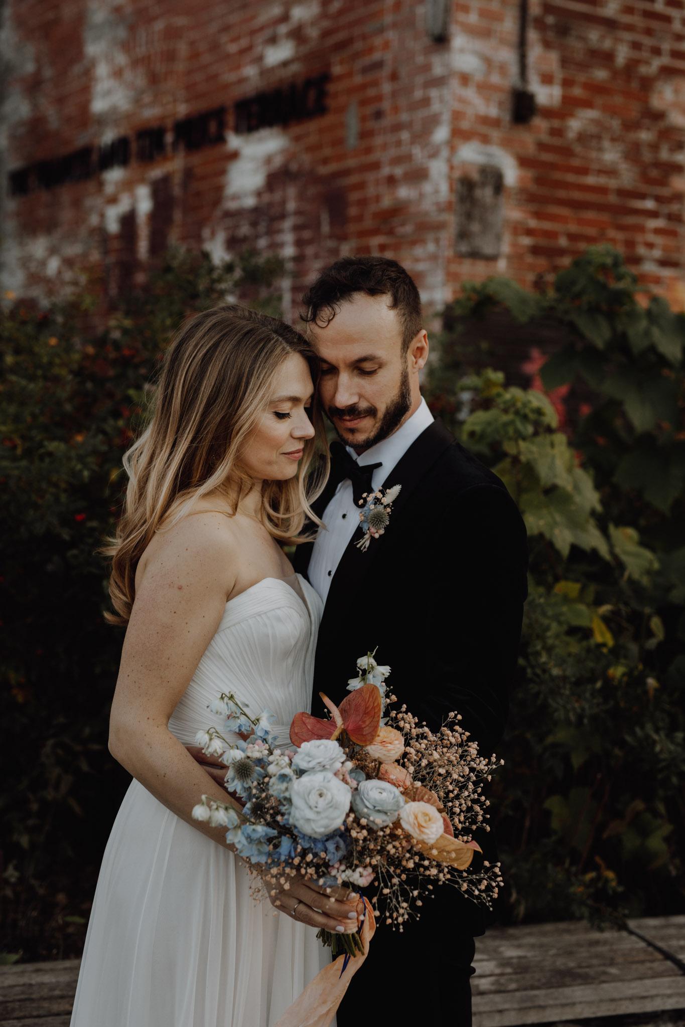 Casa La Palma Wedding - Bride and Groom Portrait with bouquet